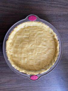 Cover the tart pan