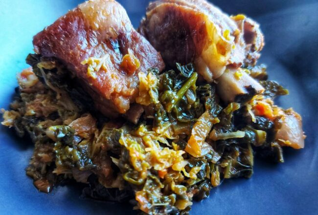 Braised pork ribs with savoy cabbage - enjoy